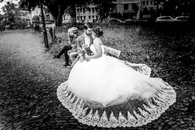 trouwfotografie-bruidspaar-spontaan